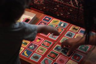 Memory Cards Kids playing